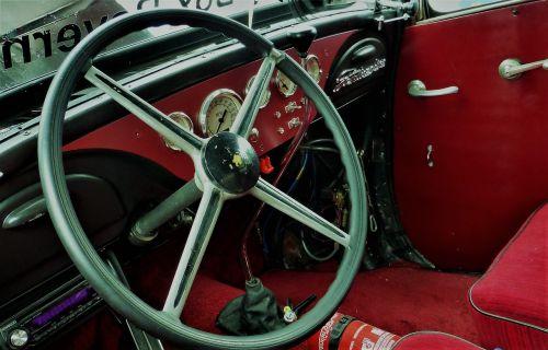 steering wheel speedo auto