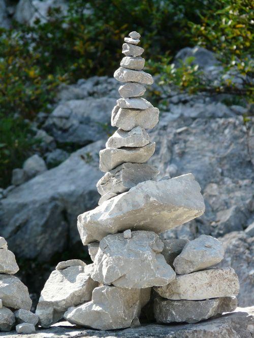 steinmann cairn stones