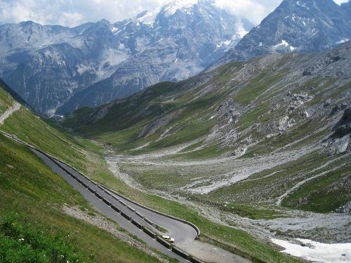 stelvio stelvio yoke mountain pass