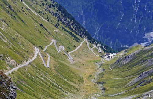 stelvio yoke north ramp pass road