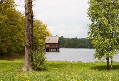 stilt house home idyll
