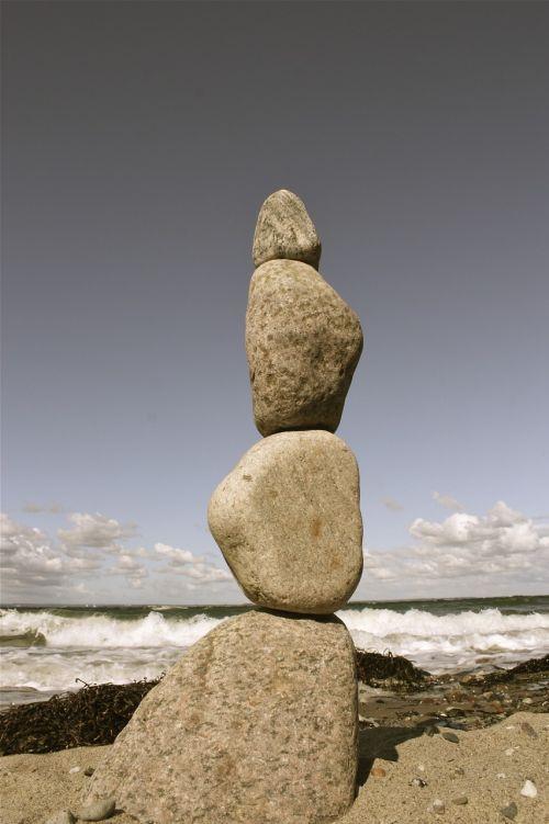 akmuo,krūva,papludimys,jūra,prie jūros,vanduo,gamta,mėlynas,Rokas,akmenukai,dangus,akmenukas,kranto,kiauliena,banga,motyvacija,balansas,akmens balansas,jūrų,ežeras,drebantis,bankas,aukštas,šventė,natiurmortas,švelnus,vandenynas