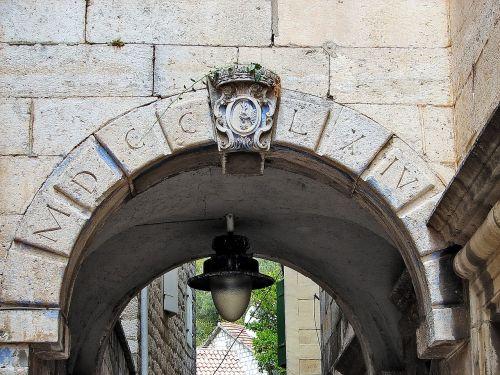 stone arch architecture