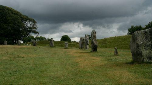 stone circle avebury
