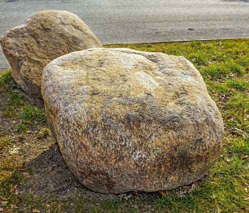 akmuo,foundling,akmenys,gamta,Rokas,dekoratyvinis,akmuo pievoje