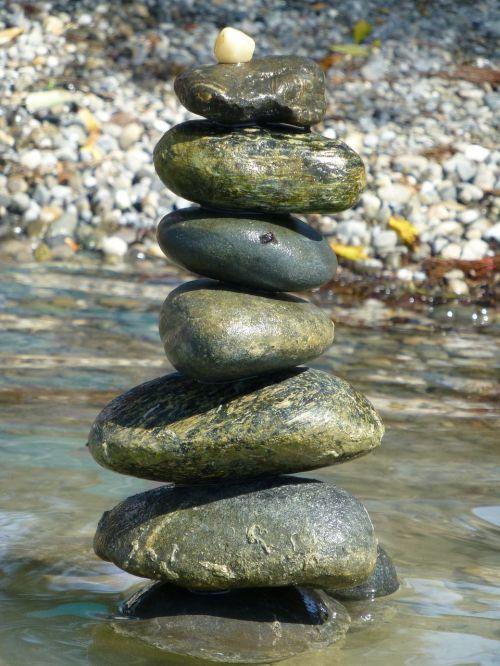 akmens migdolai,akmenys,akmens bokštas,sukrauti,surinkti akmenys,balansas,poilsis