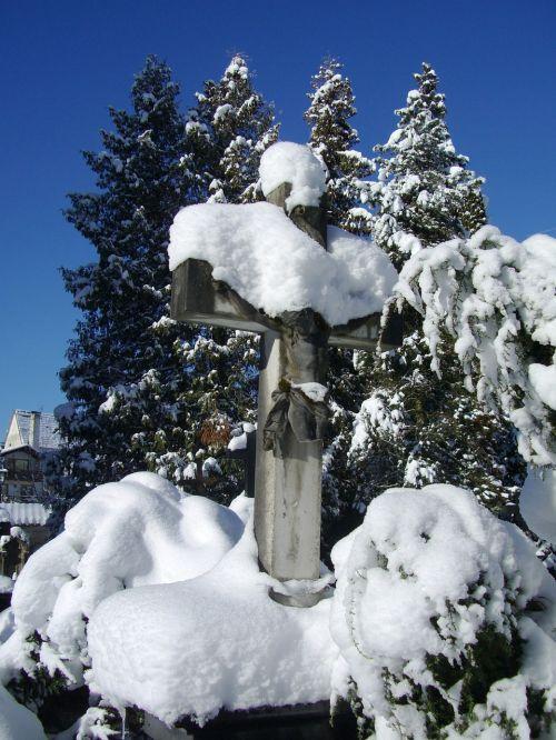 stone cross grave tomb