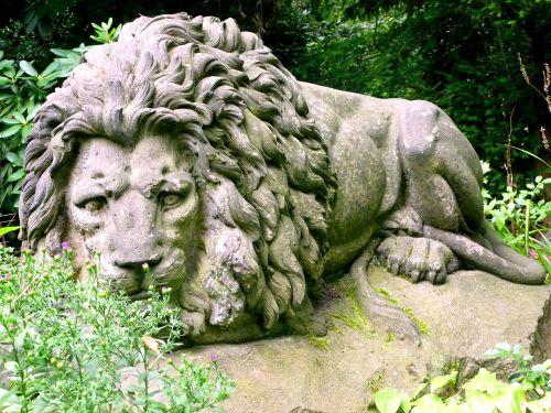 stone figure stone lion lion