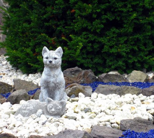 stone figures figures cat