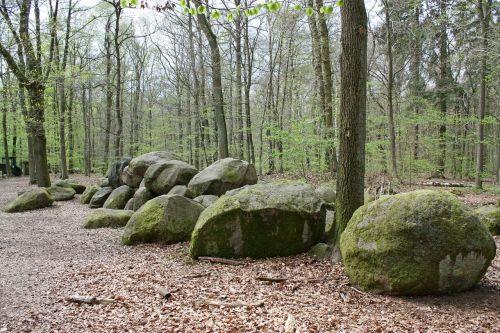 stone grave sloopsteine grave
