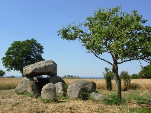 stone grave cornfield dolmen