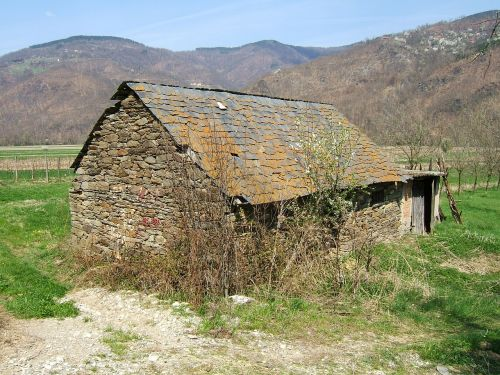 stone house architecture bosnia