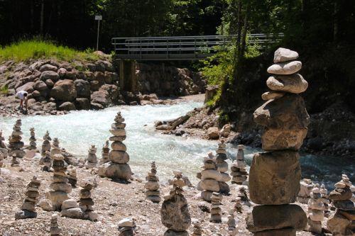 akmens parkas,akmenys,krūva,surinkti akmenys,drebantis,vanduo,akmenukai