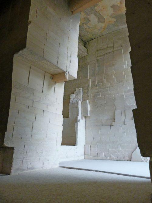 stone quarry roche size