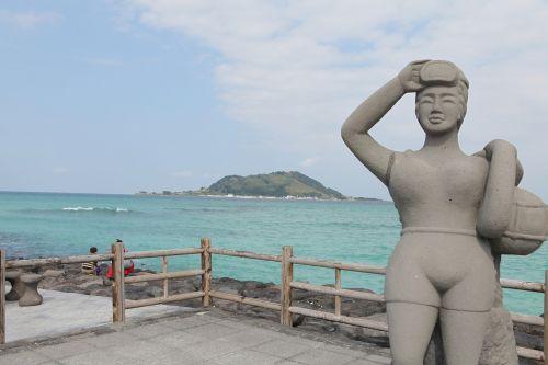stone statue sun maid non-transferability