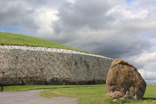 stonehenge place of worship megaliths