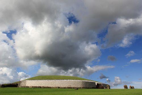 stonehenge ireland meadow
