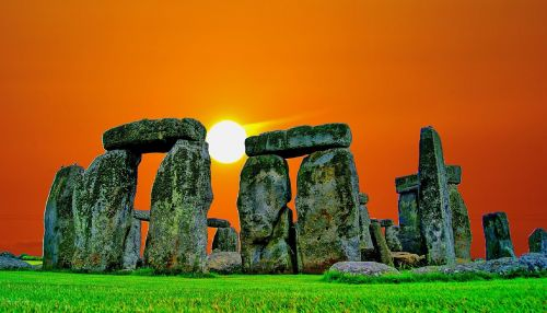 stonehenge sunset stone