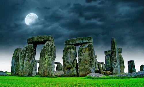 stonehenge sky moon