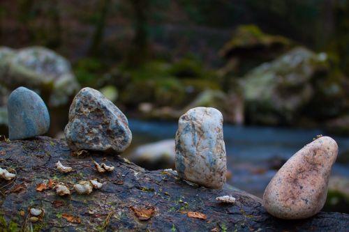 stones log line