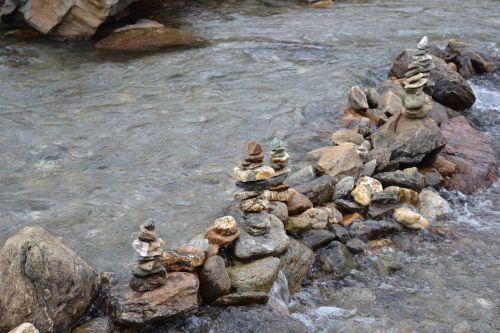 stones water fluent