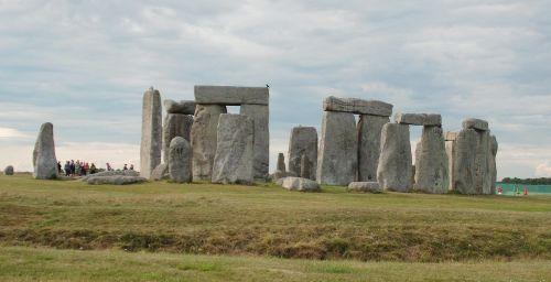 stones megaliths stonehenge