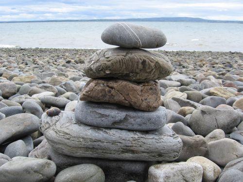 stones stack zen