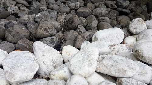 stones  black  white