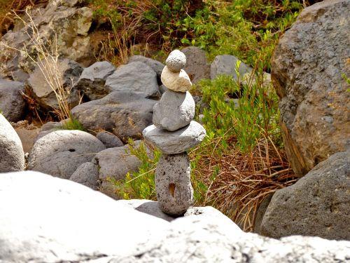 stones balance hiking