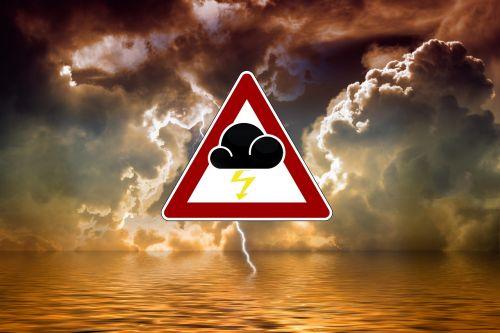 audra,didelis oro įspėjimas,įspėjimas,Persiųsti,jūra,vanduo,banga,ežeras,blykstė,griauna,debesys,dangus,niūrus,šviesa,sunaikinimas,atsargiai,orų prognozė,rizika,vandenys,pastaba