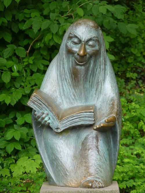 storytellers sculpture figure