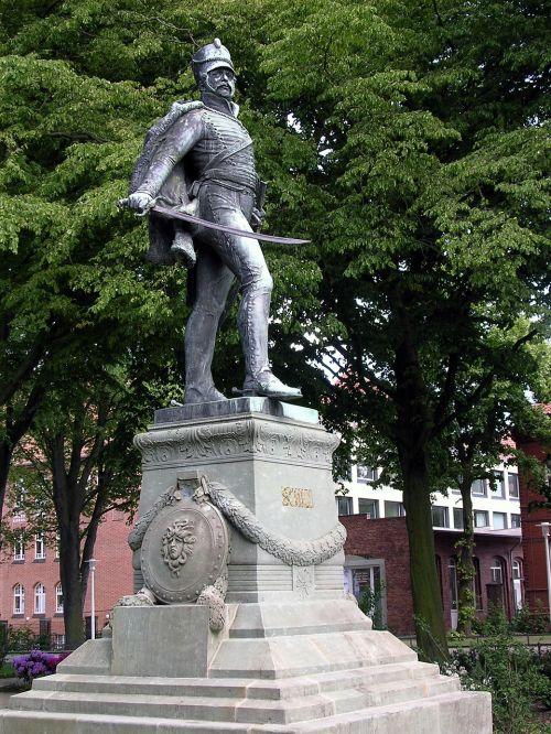 stralsund monument statue