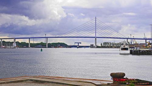 stralsund,uostas,rügen tiltas,plytų tiltas,strelasund,Baltijos jūra,rügen,pilonas,pakabos laidai,didelis tiltas,traukimo briauna,Hanzos miestas