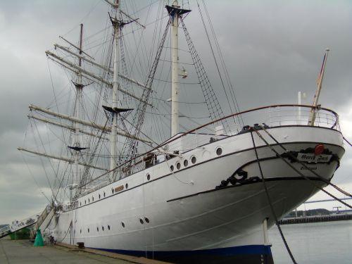 stralsund gorch fock baltic sea