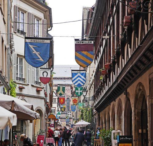 strasbourg wine alley center