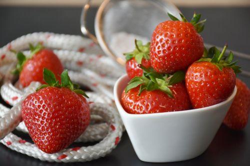 strawberries berries red