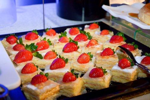 strawberries  desserts  candy