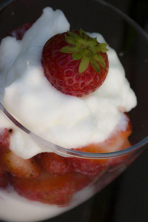 strawberries whipped cream cream