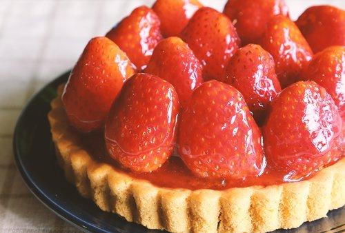 strawberry tart  cake  strawberry