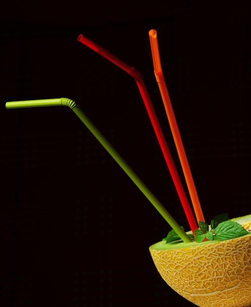 straws melon juice
