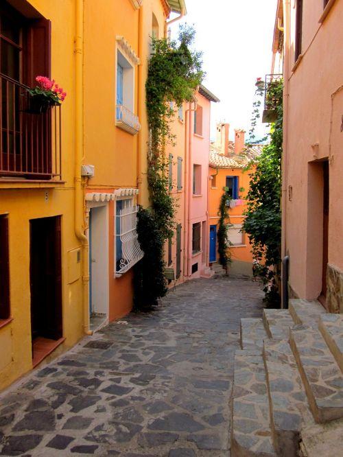 street collioure pyrénées-orientales