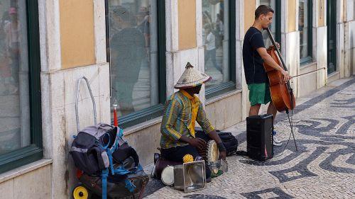 street performers lisbon