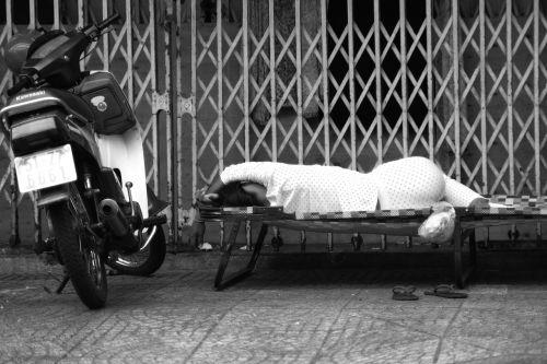street vietnam sleepy
