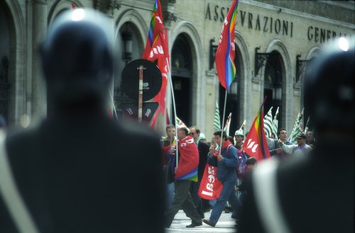 street  travel  demonstration