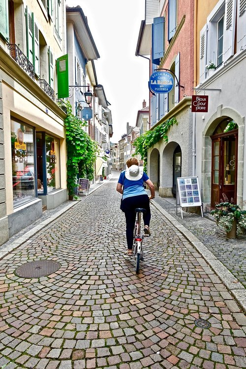street  perspective  bike rider