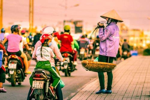 street  vendor  stop