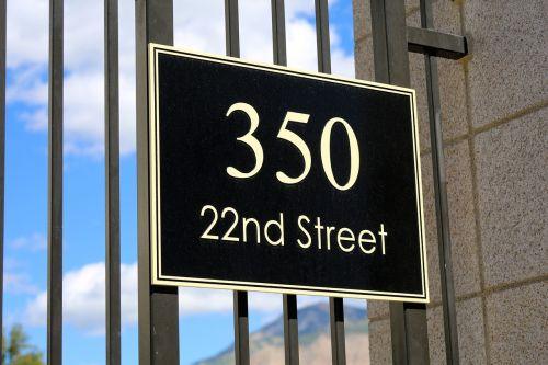 street sign address