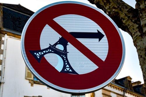 street art  pont-croix  brittany