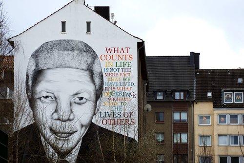 street art  dortmund  mandela