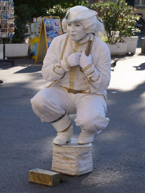 street artists statue pantomime
